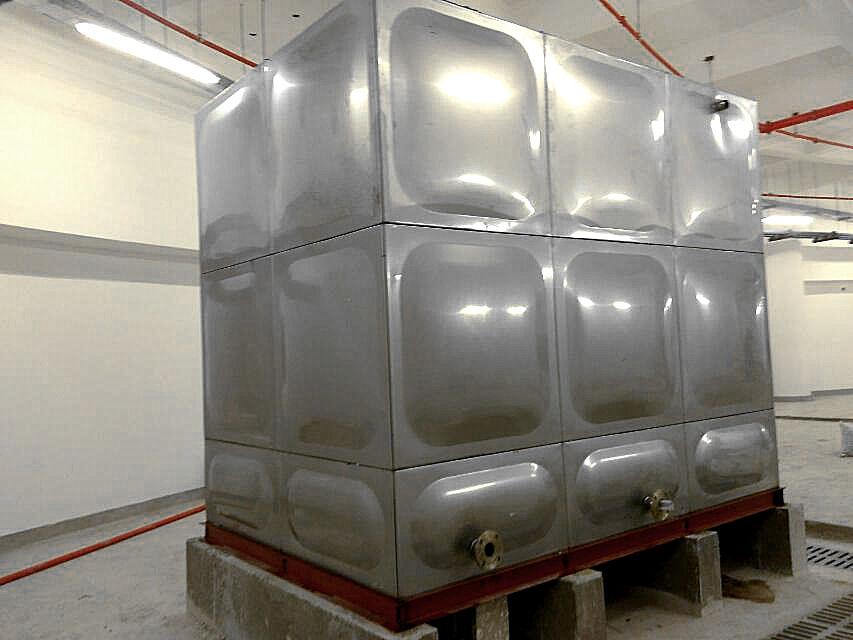不锈钢水箱在天津安装实例