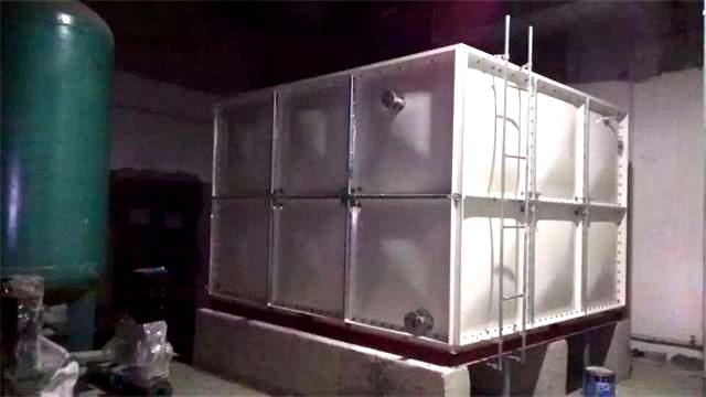 赤峰世元3.375m3玻璃钢水箱