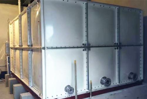 北京清华实验小学燕郊分校玻璃钢水箱安装实例