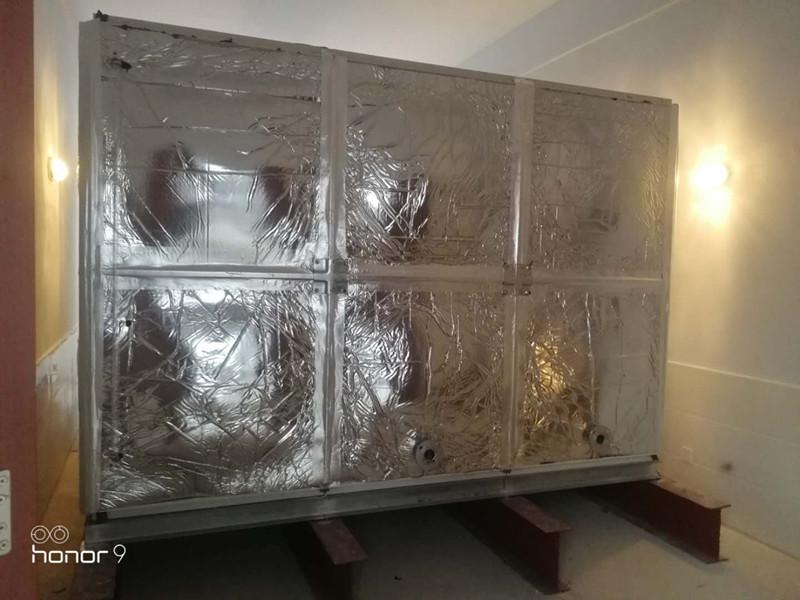 无棣县柳堡镇新海中学24立方玻璃钢橡塑保温水箱